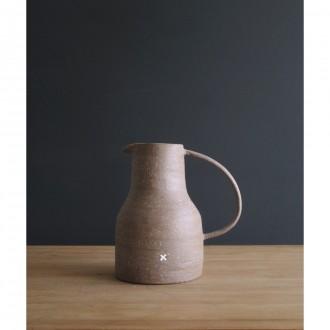 A handmade stoneware jug | Ju_2021_3_1