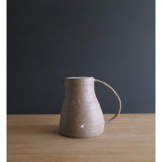 A handmade stoneware jug | Ju_2021_3_2