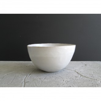 A white ceramic salad bowl | L | Bo_2021_06_3
