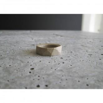 A porcelain ring | Ri_2021_06_2