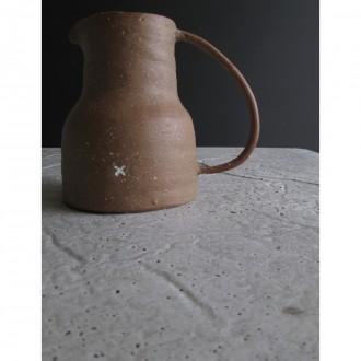 A stoneware jug | Ju_2021_06_2