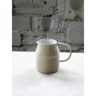 A handmade porcelain jug | Ju_2020_7_1_1