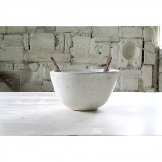 A white porcelain salad bowl | Bo_2020_09_set_2
