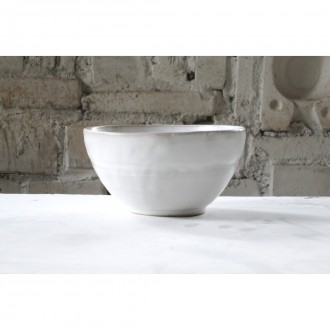 A white porcelain salad bowl | Bo_2021_01_1