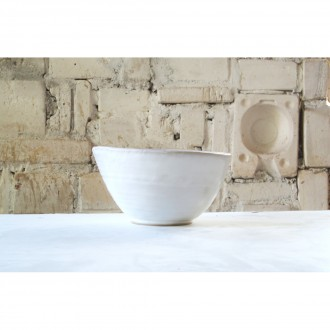 A white porcelain salad bowl | Bo_2021_01_2